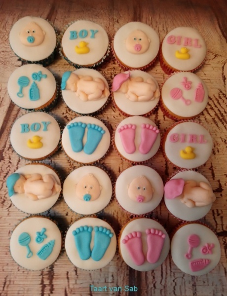 gender-reveal-cup-cakes