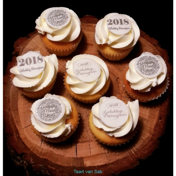 happy-new-year-cup-cakes