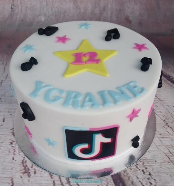 Ygraine-12